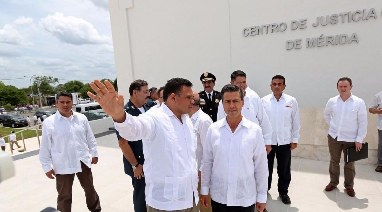 Rolando Zapata Bello con Enrique Peña Nieto